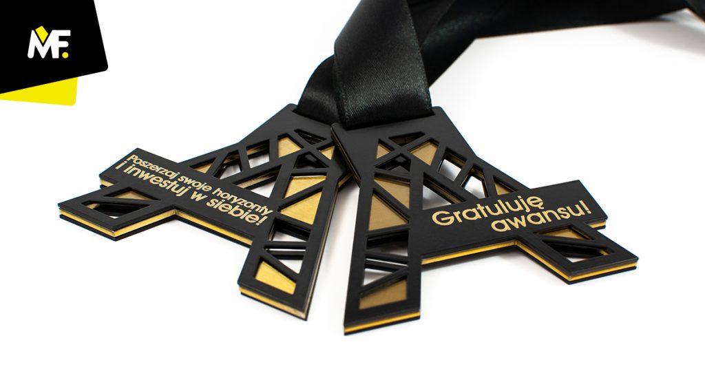 Medal dla pracownika, awans